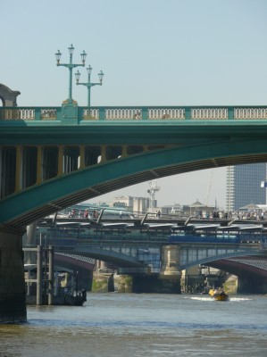 ponts vus du fleuve