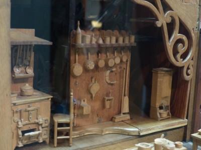 une maison de poupées avec tant de détails