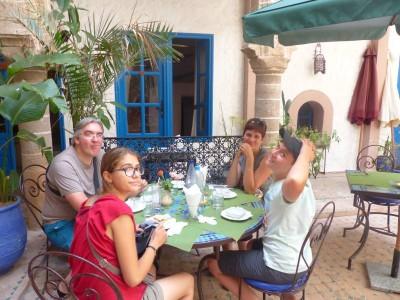repas au Riad El Madina