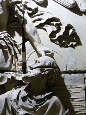 Saint Aubert et le pouce  de Saint Michel !