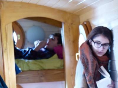 côté lits superposés des enfants façon cabine de bâteau