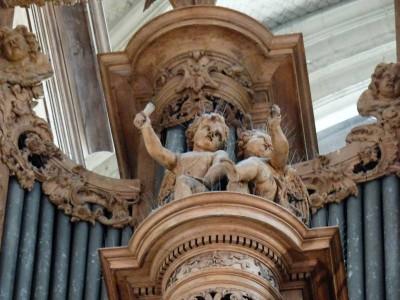 détail joufflu de l'orgue