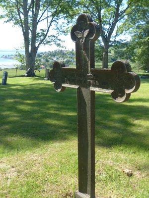 une croix ancienne du cimetière