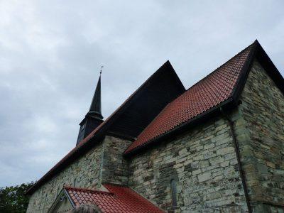 la plus vieille église, détruite et rebâtie 3 fois
