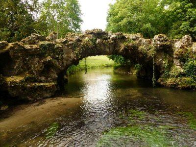 le pont des roches et sa cascade